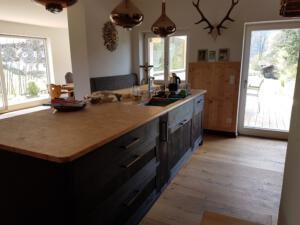 Vollholzküche gebrannt Schreinerei Sedlmeier Rott am Inn