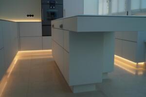 Moderne Küche 3Schreinerei SedlmeierRott am Inn